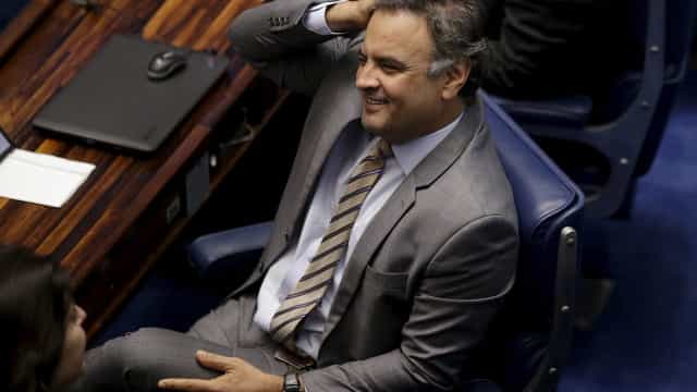 Após encontro com Temer, Aécio nega influência do presidente no PSDB