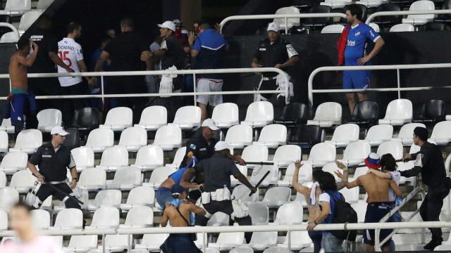 'Não sabem perder?', questiona Jair Ventura após confusão com uruguaios