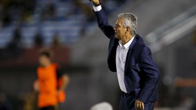 Flamengo tenta consagrar aposta em treinador estrangeiro