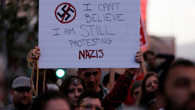 Casa Branca define protestos em Virgínia como 'terrorismo'