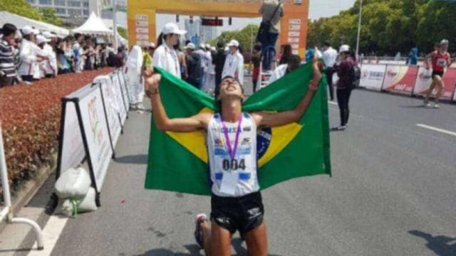 Caio Bonfim faz história e é bronze na marcha atlética no Mundial
