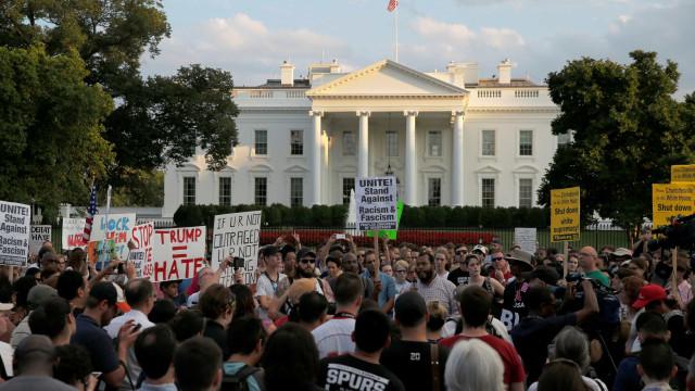 Supremacistas comemoram reação de Trump sobre protesto