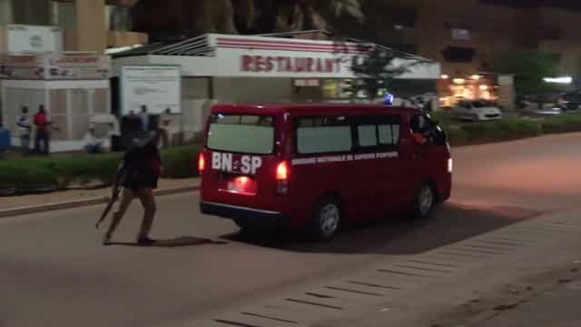 Ataque terrorista deixa mortos e feridos na capital de Burkina Faso