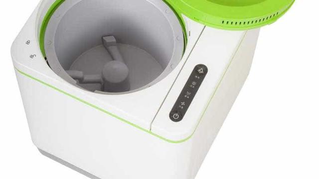 Máquina inovadora transforma lixo orgânico em adubo em apenas 3 horas