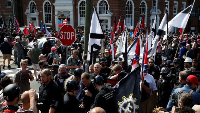Júri sentencia perpétua a supremacista que atropelou manifestante