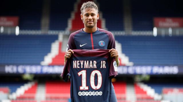 Neymar já vendeu mais camisas do PSG que Di María em um ano