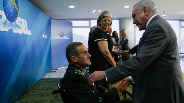 Com militares, Temer diz que garantia da lei e da ordem 'está na moda'