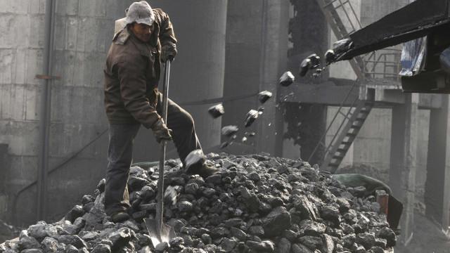 China suspende maioria das importações de Pyongyang