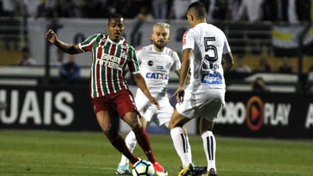 Santos empata no Pacaembu, e rodada beneficia o Corinthians