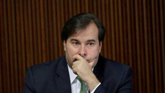Maia critica 'jeitinho' do governo e defende redução dos gastos