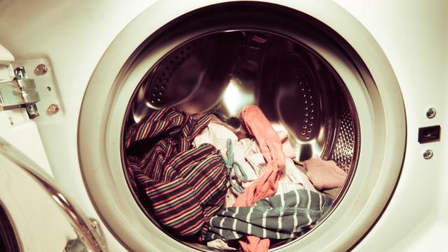 Você lava roupa sem compartilhar bactérias? Descubra