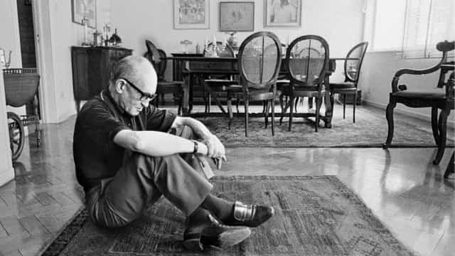 Museu de SC homenageia 115 anos de Carlos Drummond de Andrade