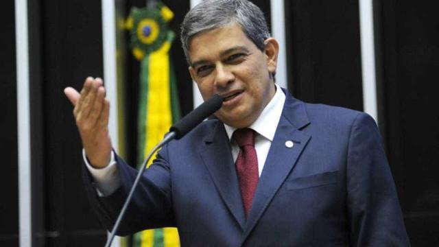 Pestana: 'Se Tasso não se afastar da presidência, o PSDB vai implodir'