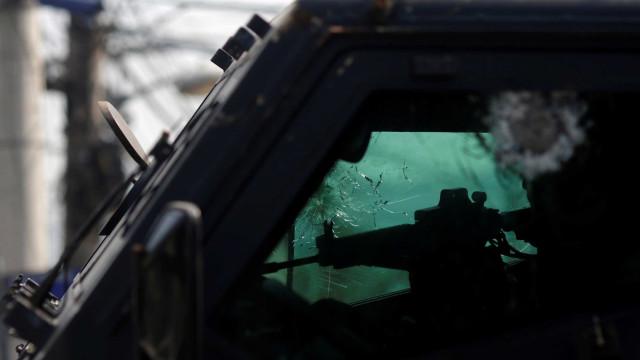 Traficantes do Jacarezinho  armam usuários de crack contra PMs