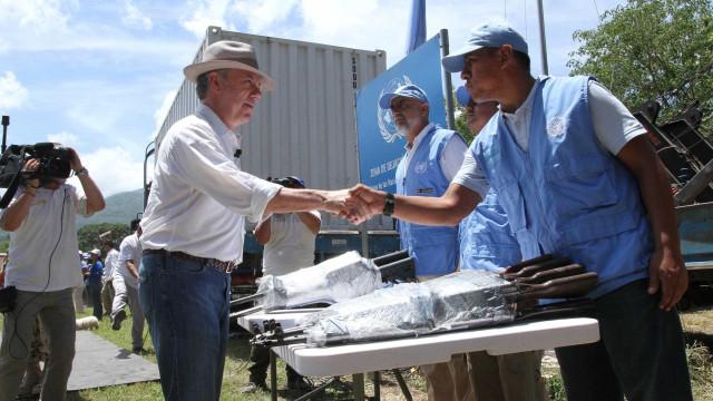 Farc entregam últimas armas às Nações Unidas