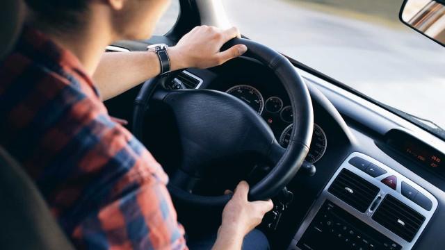 Denatran padroniza autorização para dirigir no exterior