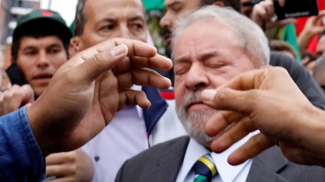 TRF4 mantém bloqueio de R$ 16 milhões do ex-presidente Lula