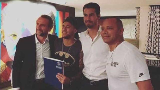 Saiba quem é o agente por trás da venda de Neymar para o PSG