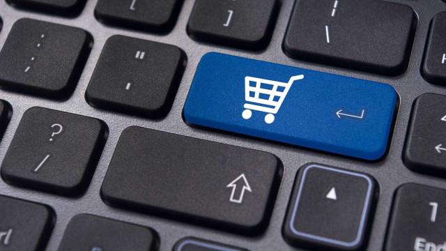 Pesquisa: 47% só compram em loja física após pesquisarem na web