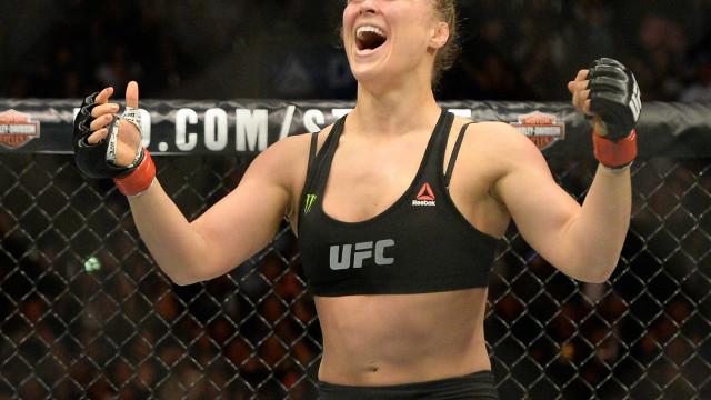Ronda Rousey pode trocar UFC para lutar só de lingerie