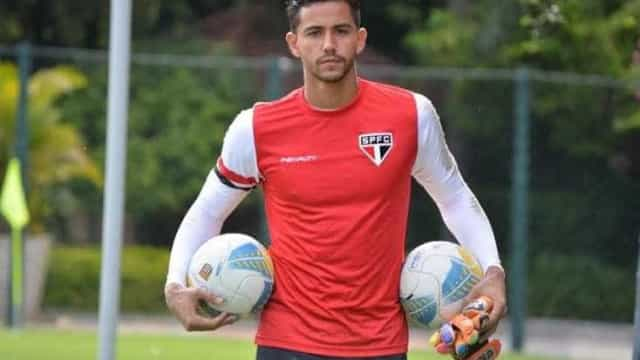 Renan Ribeiro deve perder vaga para Sidão no São Paulo