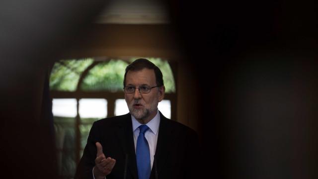 Rajoy declara luto e convoca 'pacto antiterrorista'