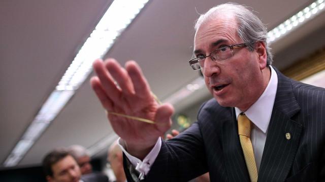 Cunha tem pena reduzida em oito meses após curso mestre de obras
