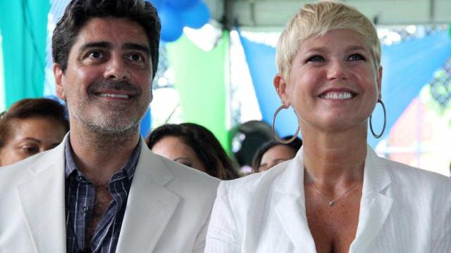 Junno Andrade ganha viagem surpresa de lua de mel de Xuxa