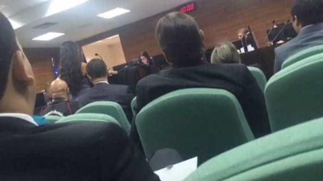 Desembargador se recusa a ouvir advogada que usava vestido