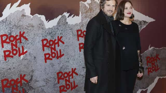 Marion Cotillarde marido vivem eles mesmos emfilme sobre crise aos 40