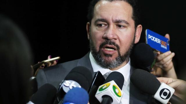 Ministro do Planejamento abre mão de R$ 18 mil da remuneração mensal
