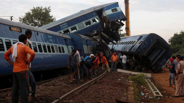 Acidente de trem mata 23 e deixa 40 feridas na Índia