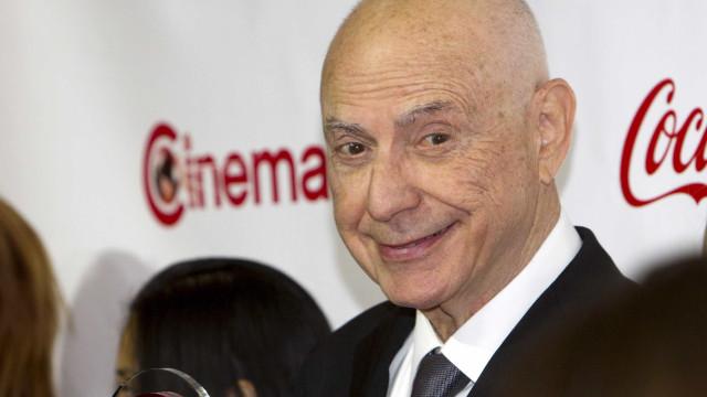 Dirigido por Tim Burton, 'Dumbo' reforça o elenco com vencedor do Oscar