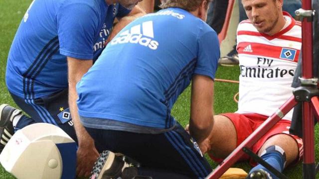 Atacante dá baixa por 7 meses após  se machucar em comemoração de gol