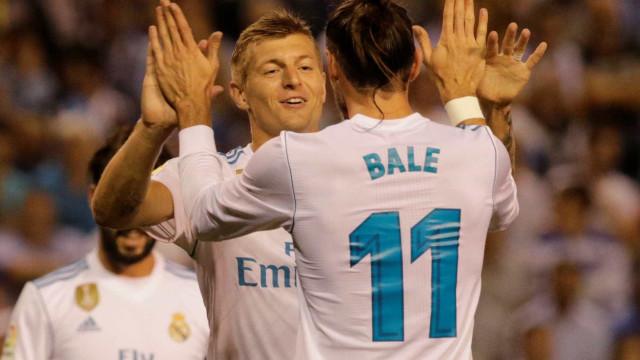 Sem CR7, Real Madrid dosa esforços e vence La Coruña em estreia