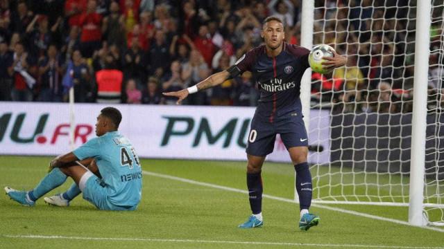 Veja a espetacular 'lambreta' de Neymar na goleada sobre o Toulouse