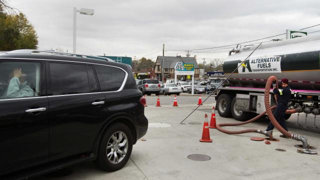 Eclipse solar impulsiona preços da gasolina nos EUA
