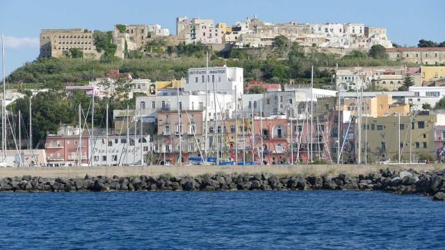 Terremoto deixa ao menos 1 morto e 3 desaparecidos na Itália