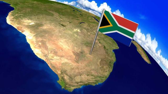 Incêndio no subsolo provoca a morte de seis mineiros na África do Sul