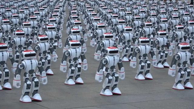 1.069 Robôs dançam simultaneamente para quebrar recorde mundial