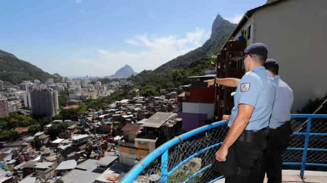 Delegado pede que traficantes encurralados na Rocinha se entreguem