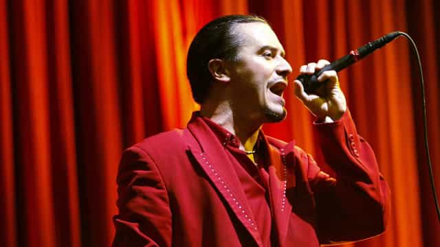 Vocalista do Faith No More sofre acidente nos EUA