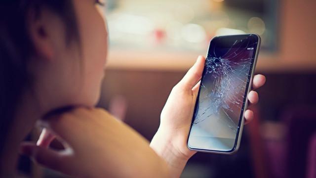 Motorola patenteia tela de celular capaz de se regenerar