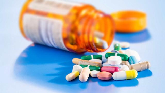 Você sabe como um analgésico funciona no organismo?