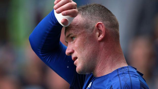 Wayne Rooney diz adeus à seleção inglesa