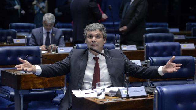 Celso de Mello autoriza abertura de inquérito contra Lindbergh Farias