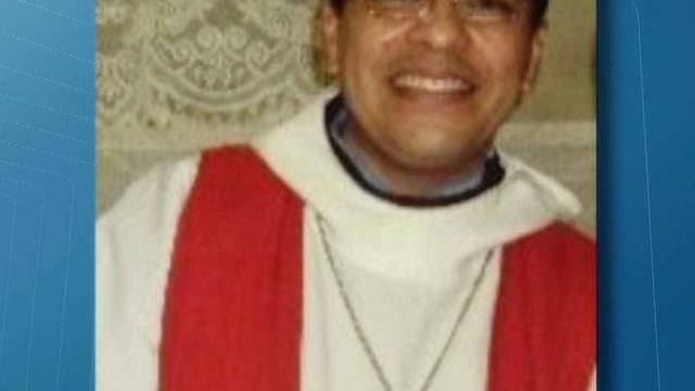 Jovem detido por morte de padre dá nova versão do crime e fala em roubo