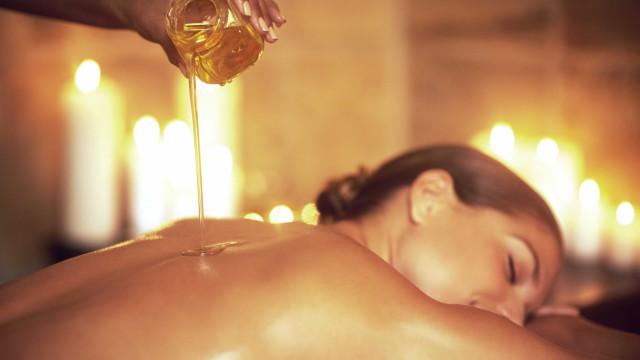 Conheça o poder de 10 óleos vegetais na hidratação e nutrição da pele