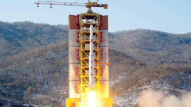 Coreia do Sul responde a míssil de Kim Jong-un com oito bombas