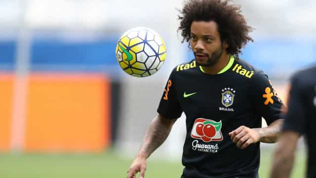 Seleção completa: Casemiro, Marcelo e Firmino chegam a Porto Alegre